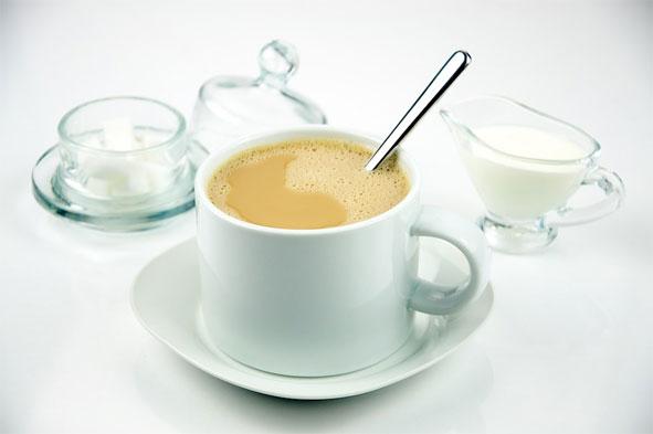 Бела кафа, постала је део српског доручка у градској средини преко западњачких утицаја.