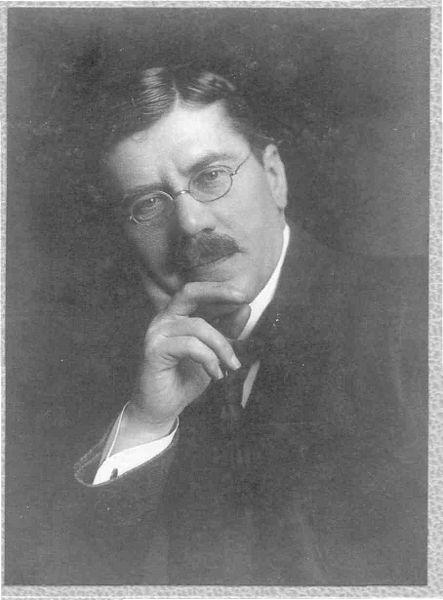 **Павле Поповић** (1868—1939), српски историчар књижевности.