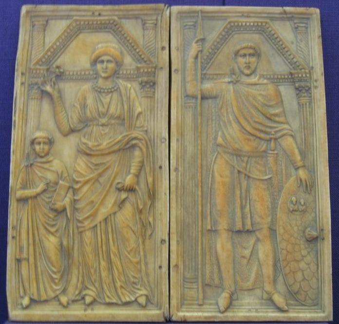 **Стилихон и његова породица**, копија диптиха од слоноваче насталог око 395. чији се оригинал данас чува у Монци. Стилихон је приказан са симболима моћи врховног војсковође, лева плоча приказује његову супругу Серену, братичину цара Теодосија Великог, и сина Еухерија.